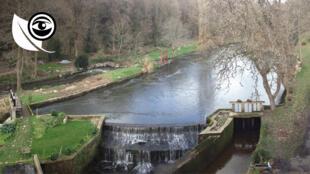 Le site du Moulin Neuf, en Bretagne, a été réhabilité afin de mettre à profit le débit de la rivière du Loc'h, pour produire de l'électricité. Toutes les images ont été prises par un voisin.