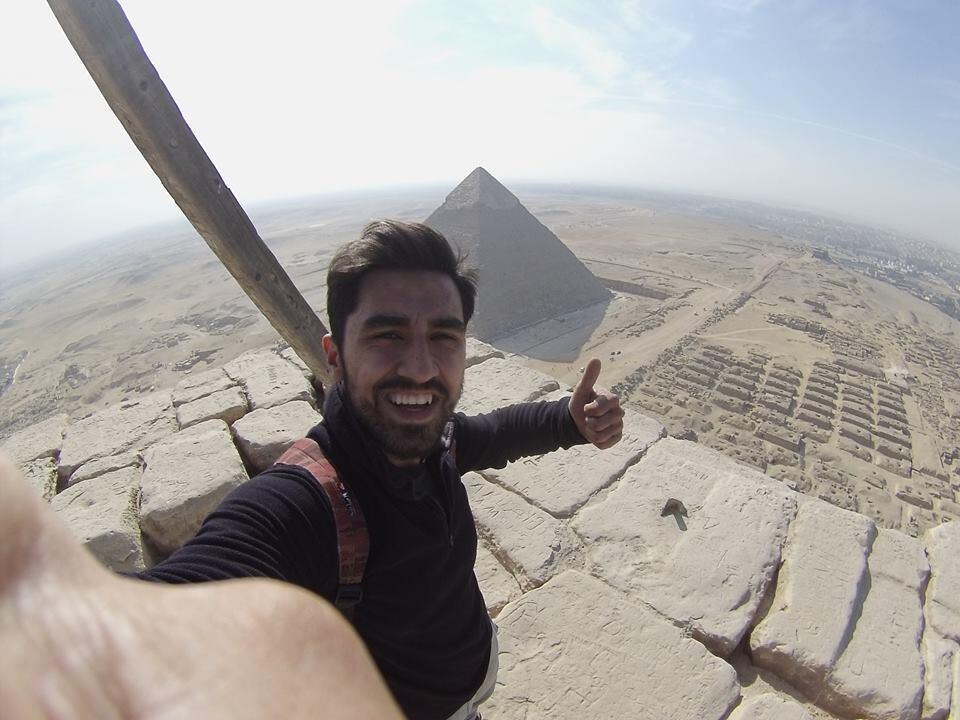 Le selfie de l'étudiant turc depuis le sommet de la pyramide de Khéops.