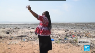 A year ago, we met up with our Observer on Plage de la Minière to talk about the rubbish issue. A year later, she's given us a mixed progress report on how waste is being dealt with in Guinea.