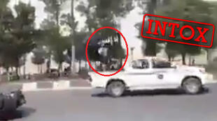 Capture d'écran d'une vidéo présentée comme montrant un pick-up de l'EI en train de rouler sur une route en Iran. Twitter.