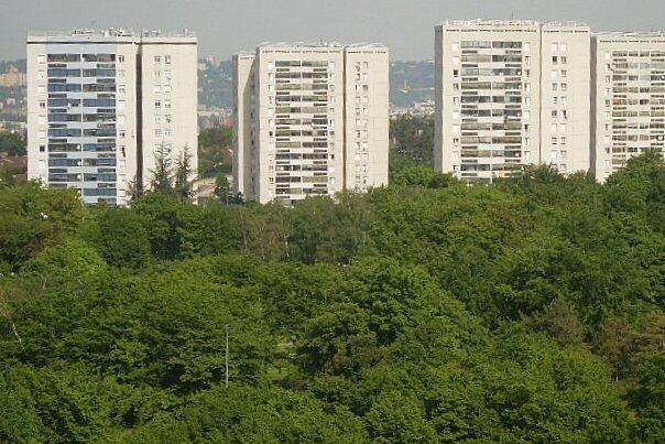 Les tours du quartier des Minguettes à Vénissieux.