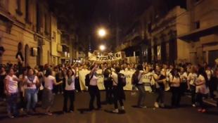 Capture d'écran d'une vidéo de la marche publiée sur Twitter @lulipradov.