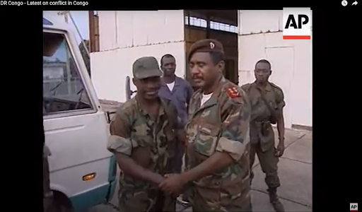 Photo extraite du reportage de l'Associated Press publié le 31 août 1998 à propos de la prise de Matadi par les troupes angolaises et congolaises fidèles à Laurent-Désiré Kabila