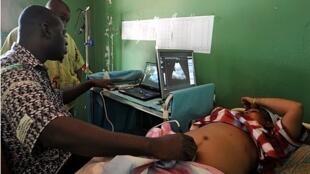 Envoi d'images d'échographie via Bogou. Photo envoyée par Cheick Oumar Bagayoko.