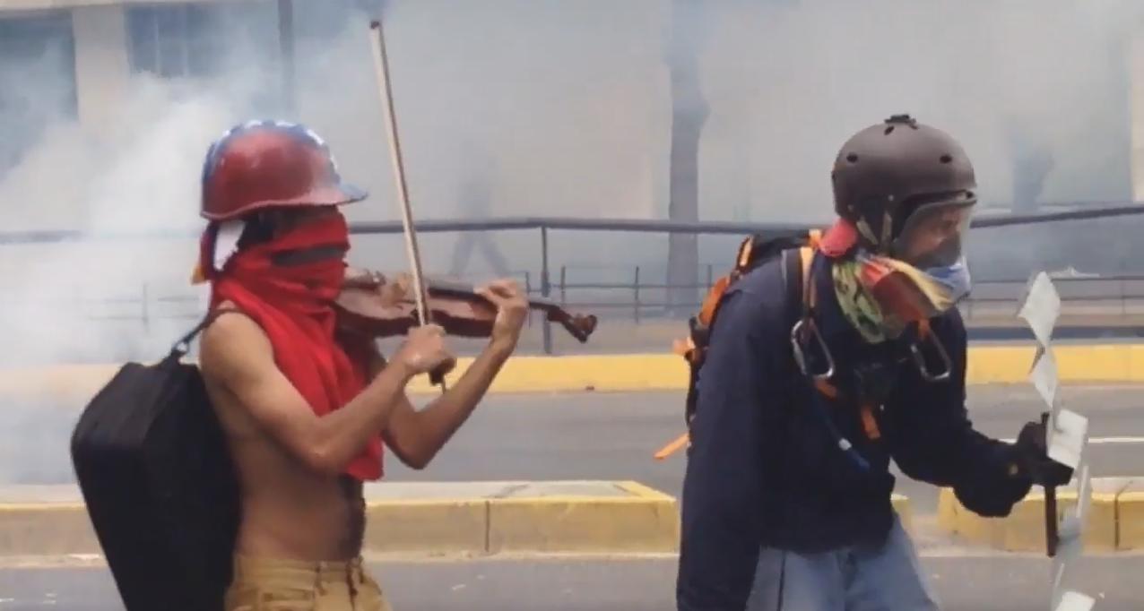 Capture d'écran d'une vidéo prise par la journaliste Gabriela Gonzalez le 8 mai, à Caracas.