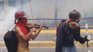 Screen capture from a video taken by the journalist Gabriela Gonzalez on May 8 in Caracas.