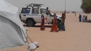 Deux cliniques mobiles parcourent actuellement la région du Lac, au Tchad, pour soigner les femmes et les enfants vivant dans la zone. Photo : UNFPA.