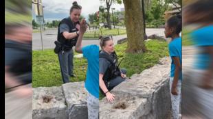 في الوقت الذي كانت فيه الطفلة الصغيرة مرعوبة من وجود قوات الأمن الأمريكية، اقتربت شرطية من الطفلة لطمأنتها في مدينة نيويورك في الخامس من حزيران/ يونيو. صور شاشة من فيديو لشانيكا براون