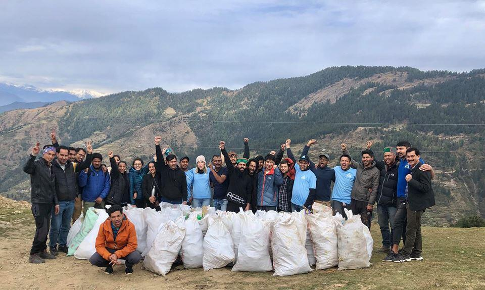 Volunteers from Healing Himalayas.