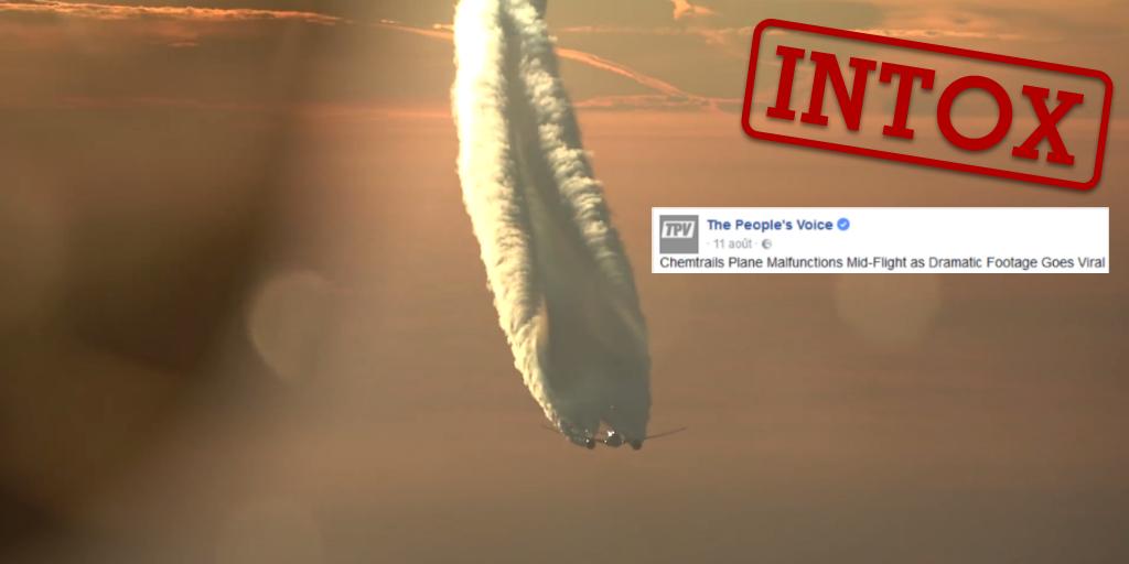 Un avion filmé en Russie présente des trainées de condensation impressionnantes, parce qu'il est à contre-jour.