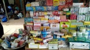 A shelf of illegal medicine at a bus station in Mahapleu. Credit: Rita Dro.