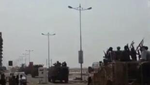 Entrée des troupes pro-gouvernementales dans Aden. Source : Twitter
