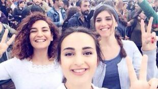 Selfie pris par Maderşahî Barajyıkan et relayé sur les réseaux sociaux après l'attentat.