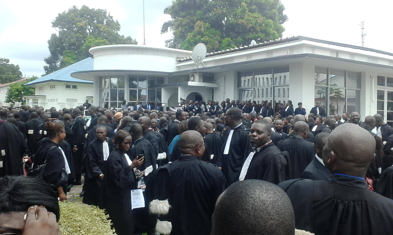 Manifestation des avocats congolais à Kinshasa mercredi 2 mars. Photo Julien Mbikayi.