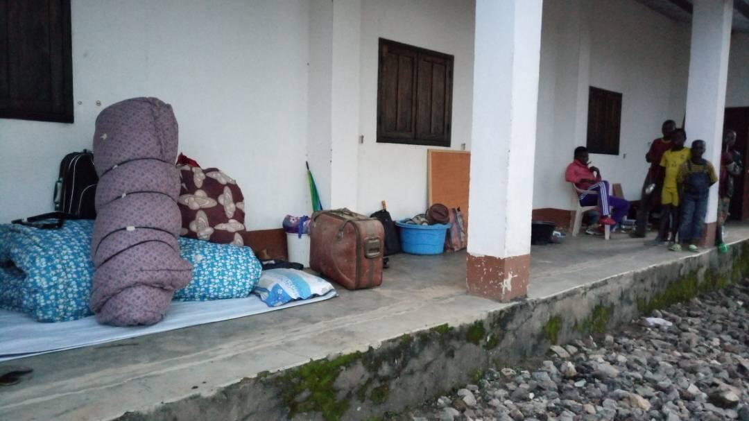 Des déplacés à la mission chrétienne de Bozoum. Photo : Aurelio Gazzera.