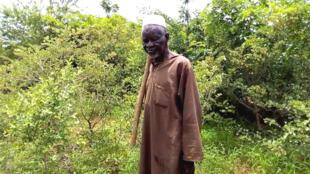 Depuis près de quarante ans, Yacouba Sawadogo, 77 ans, a développé une technique artisanale pour stopper l'avancée du désert dans sa région du nord-ouest du Burkina Faso... et ça marche !