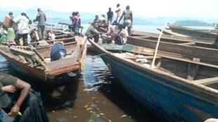 Pirogues au port de Kituka, à Goma (République démocratique du Congo). Photo prise par notre Observateur Charly Kasereka.