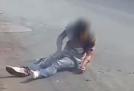 Capture d'écran d'une vidéo tournée par l'un des témoins de la scène (de même que toutes les images publiées dans cet article), postée sur Twitter.