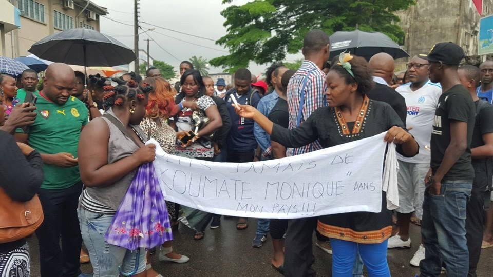 Photo envoyée par notre Observatrice lors de la manifestation à Douala.