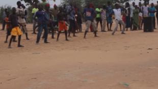 Spectacle de danse dans les rues de N'Djamena des enfants de l'association Tchado-star