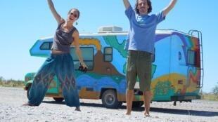 Depuis six ans, Ryan et Leticia sillonnent l'Amérique du Sud à la rencontre de communautés vivant de manière durable.