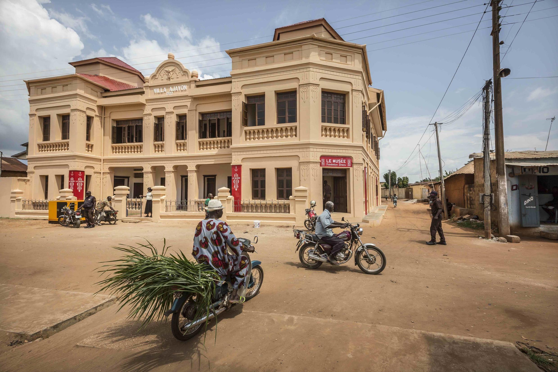 La villa Ajavon rénovée qui abrite le musée d'art contemporain de la Fondation Zinsou.