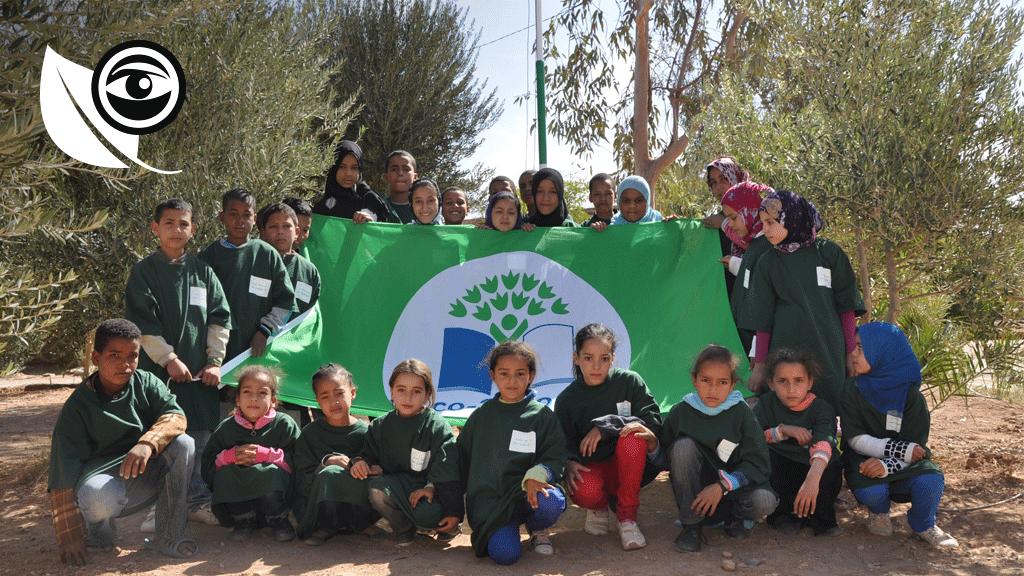 """Les élèves de l'école d'Asrir, qui a obtenu le label """"éco-école""""."""