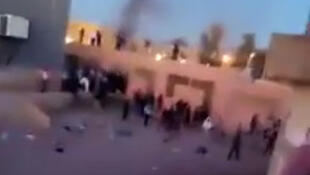 In the southern Algerian town of Béchar, migrants from sub-Saharan Africa living as squatters in an abandoned building were attacked by locals.