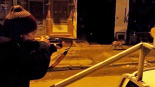 """Images des """"chasseurs de chiens"""" dans les rues de Ksar El Kébir, les nuits des 22 et 23 mars, diffusées sur les réseaux sociaux."""