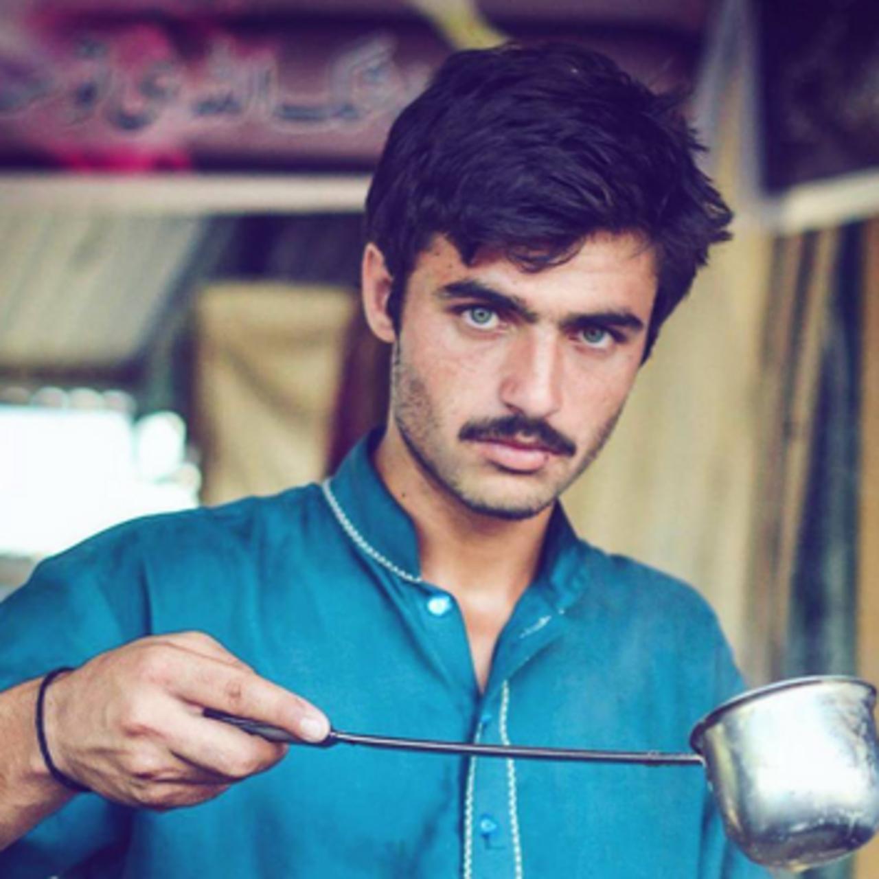 Pakistani girls 😍 good looking 📙 Emojipedia