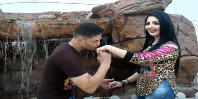 """""""Mets-moi sur la balançoire"""" : capture d'écran du clip qui fait sensation en Égypte"""