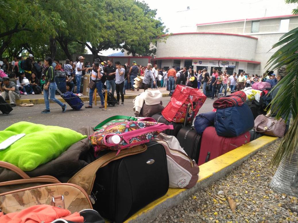 Photo prise par la journaliste Marian Torres lundi 24 juillet, au niveau du pont international Simón Bolívar, situé entre San Antonio del Táchira et Cúcuta, du côté vénézuélien. Photo publiée sur son compte Twitter (@mariantorres3).