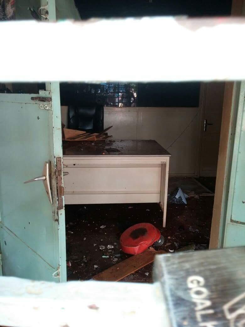 Le studio Abazon du rappeur Smockey, leader du mouvement contestataire le Balai citoyen en première ligne dans la chute de Blaise Compaoré, a été détruit par deux tirs de lance-roquettes.