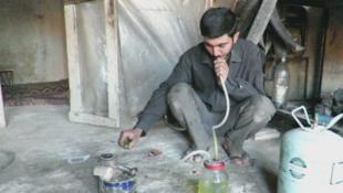 Capture d'écran d'une vidéo publiée sur radio Alkul sur un procédé permettant de créer du gaz à moindre coût