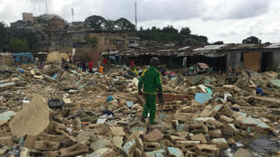 Boribana, l'un des plus grands bidonvilles d'Abidjan a été rasé en raison de la construction d'un pont. Photo prise par notre observateur Lookman.