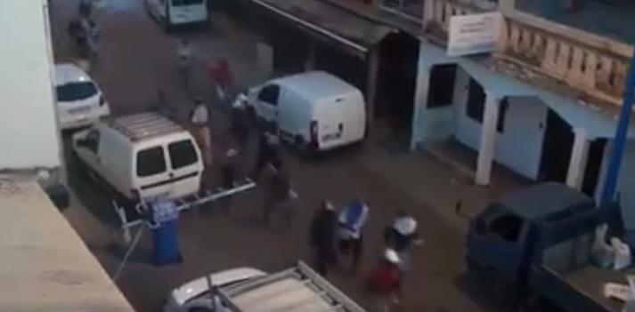 """Capture d'écran d'une vidéo tournée à Mtsapéré et diffusée sur Facebook par """"Alerte mayotte"""", le 12 avril."""