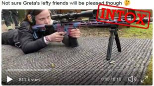 Sur Twitter, un compte a publié une vidéo d'une jeune fille tirant avec un fusil, assurant qu'il s'agissait de Greta Thunberg. Capture d'écan du tweet.