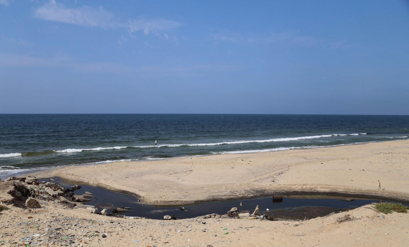 The polluted beach in Gaza. Photo from ICRC.