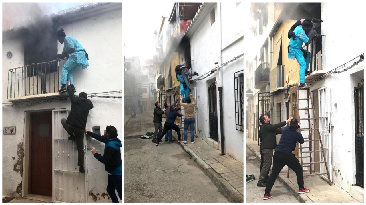 Gorgui Lamine sauve Alex de l'incendie. Photos Roberta Etter.