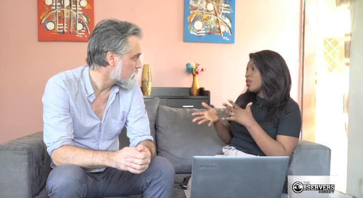 """France 24 Observers Editor-in-chief Derek Thomson meets with blogger Mariah Diop Soumah, who warns against dangerous """"health tips"""" shared on YouTube."""