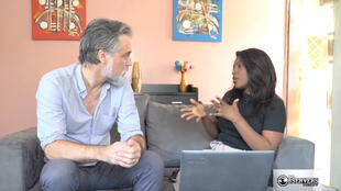 "France 24 Observers Editor-in-chief Derek Thomson meets with blogger Mariah Diop Soumah, who warns against dangerous ""health tips"" shared on YouTube."