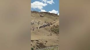 We were able to confirm the authenticity of this footage by contacting the person who filmed it. We also geolocated the footage. It was, indeed, filmed at the edge of the village of Gürpinar, which has a mountainous landscape that is easily recognisable on Google Earth Pro.