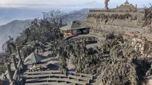 La ville de Tagaytay a été ensevelie sous les cendres du volcan Taal