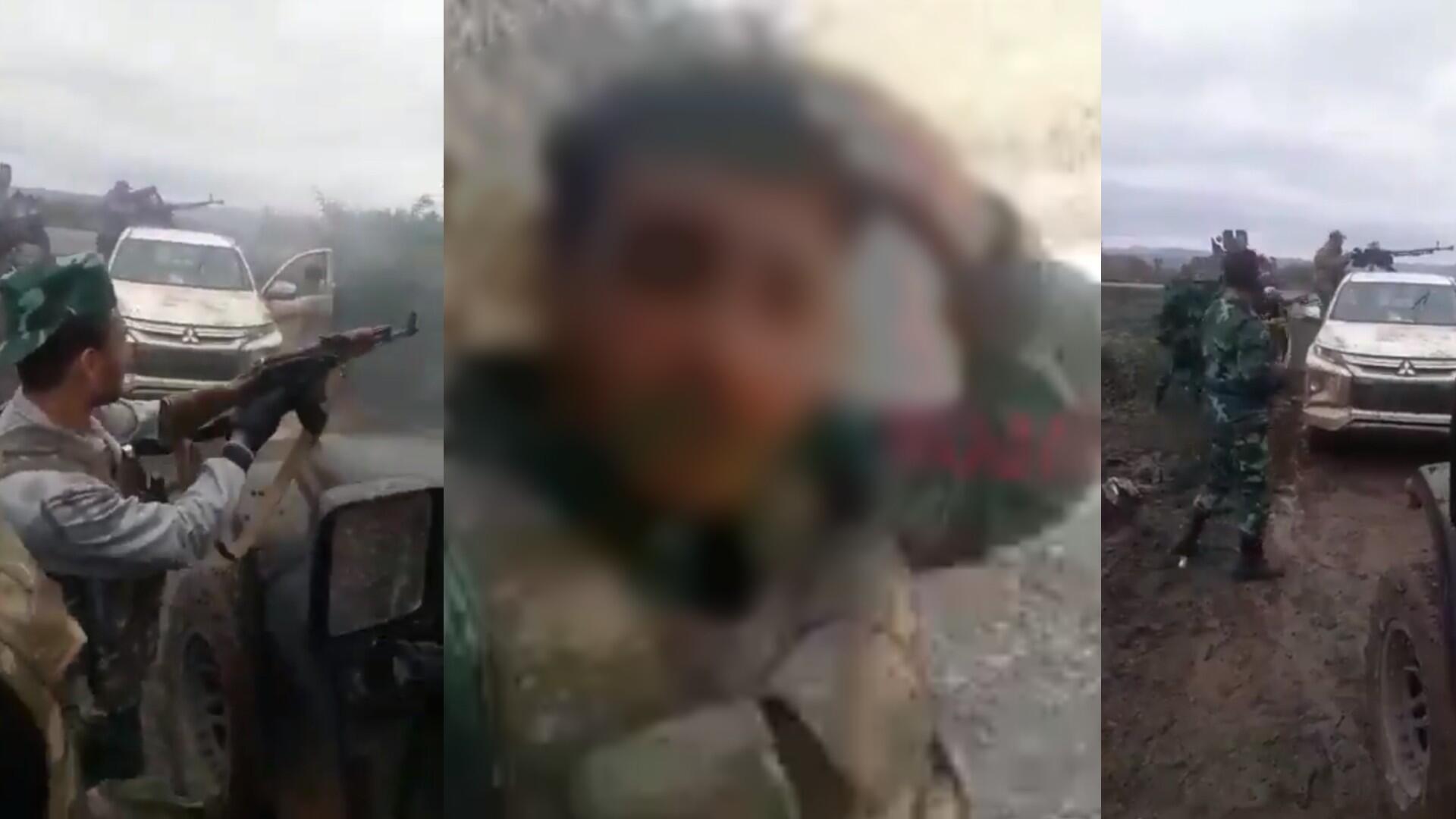 Des mercenaires syriens échangent des tirs avec des soldats arméniens, hors champ, dans le Haut-Karabakh, début octobre. Au centre, un jeune combattant syrien documente le front pendant un bombardement près de Horadiz. Captures d'écran.