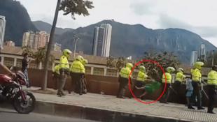 Capture d'écran de la première vidéo ci-dessous, tournée le 25 octobre dans la capitale colombienne.