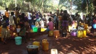 Des réfugiés dans le couvent de saint Jean de la Croix à Bimbo, en périphérie de Bangui.