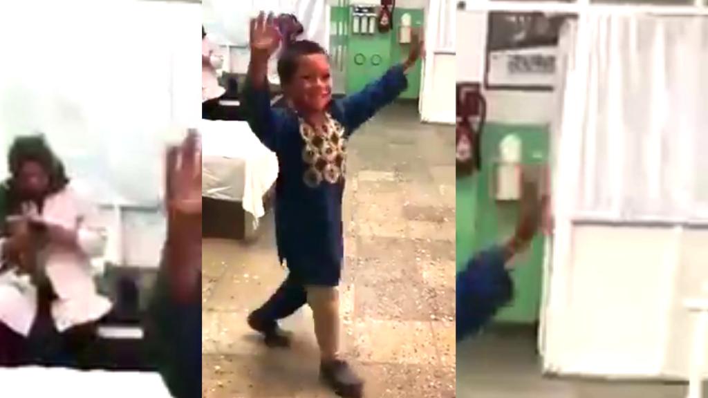 Ahmad Rahman, un garçon âgé de cinq ans qui a perdu une jambe dans une explosion quand il était bébé.