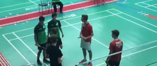 Capture d'écran de la vidéo où des joueurs saoudiens refusent de serrer la main de leur adversaire israélien.