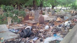 A cemetery in Accra, Ghana. (Photos by Kenn Carr)