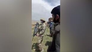 At the beginning of this video filmed on April 24, 2021 in the village of Yurtbasi, a soldier in uniform can be seen on the left holding an MPT-76 assault rifle. Behind him on the left are several officers in riot gear. This videos shows the first attempt to destroy the stables, then postponed to May 26.